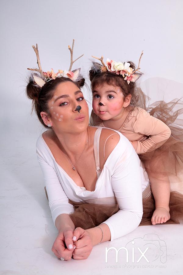צילומי פורים תחפושת אמא ובת